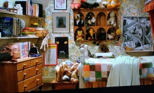 The quilt in Sarah's room in Labyrinth